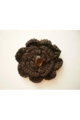 Ръчно изработено кафяво цвете, допълнение към тоалет
